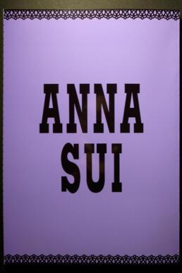 ANNA SUI ©GRAPHITICA